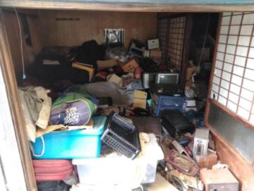 解体工事前の残置物撤去・片付け作業【岡山市北区】